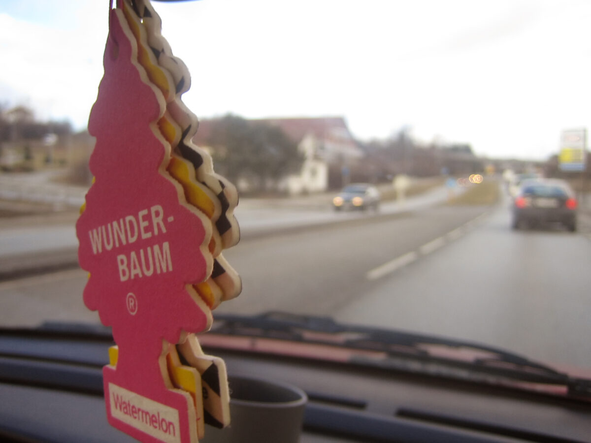 Wunderbaum Car fresheners. By Pål Berge, Source httpswww.flickr.comphotospaalb6526784, licencja cc-by-2.0, Top 5 – najczęściej polecane zapachy do samochodu